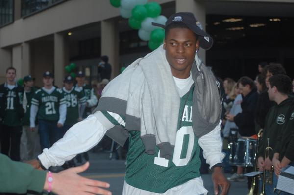 Paly alumnus Davante Adams celebrates the Vikings' football state championship in 2011. Adams was recently drafted by the Green Bay Packers in the second round of the 2014 NFL Draft. Photo by The Paly Voice.