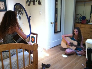 Remi Wolf and Chloe Zilliac practice an original song. The Paly juniors make up the duo Remi and Chloe, one of the bands to perform at Teens on the Green