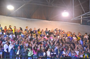The class of 2013 show off their pride during one of their chants against the sophmores. [Photo: Cathy Rong]