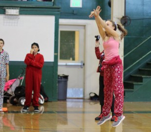 Freshmen Maddy Atwater scores the three-pointer during the after school rally. [Photo: Cathy Rong]