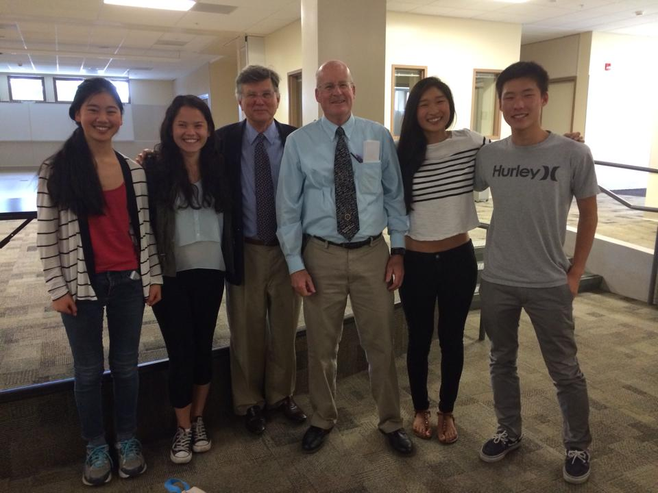 David M. Kennedy and history teacher Jack Bungarden pose for a picture with Paly students. Form left to right is Hannah Zhang, Hannah Nguyen, David Kennedy, Jack Bungarden, Lizzy Chen, and Johnny Lee. Photo By Claire Liu.