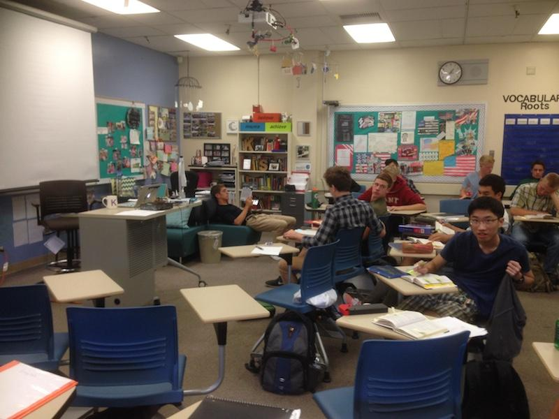 Pictured above is an English class at Palo Alto High School. This year, English teachers will now be assisting seniors with their college application essays during tutorial. Photo by Daniel Li.