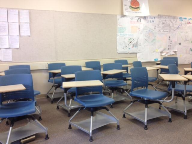 Some classrooms were almost empty, as large number of students were absent during on Drill Day. Of the 34 students in a BC Calculus class, only 12 showed up. Photo by William Zhou.