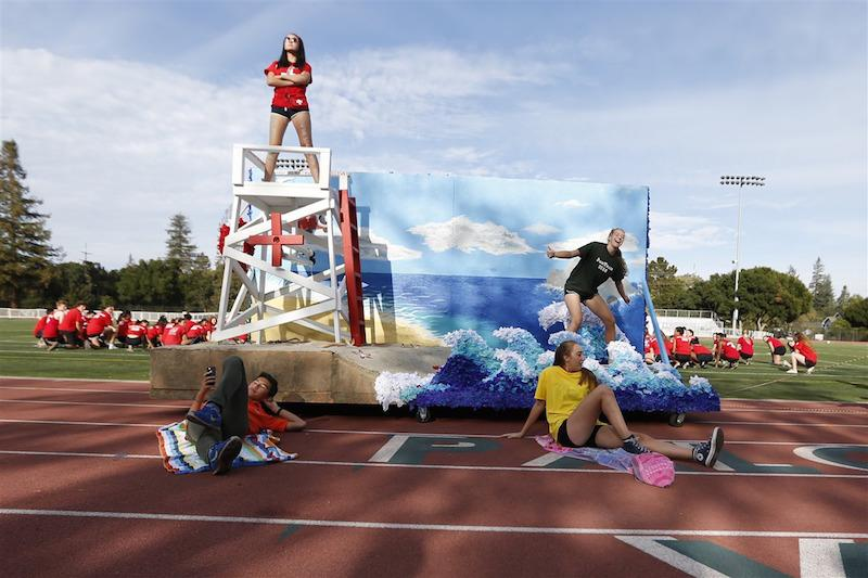 The class of 2018 shows off their float at the final rally of spirit week 2015. Photo by Cooper Lou.