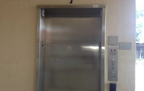 Elevator malfunctions, trapping students inside