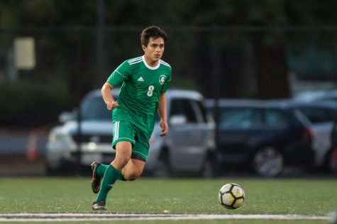 Boys' soccer to face undefeated Los Gatos on senior night