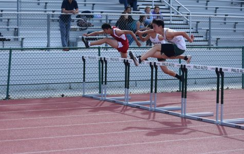 Boys' and girls' varsity track and field teams lose to Gunn (57-70, 58-67)