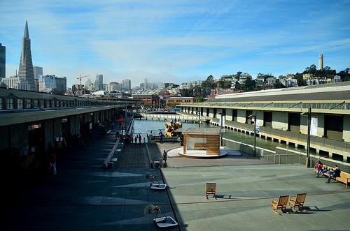 """Exploratorium 14"" by Tom Hilton is licensed under CC By 2.0."