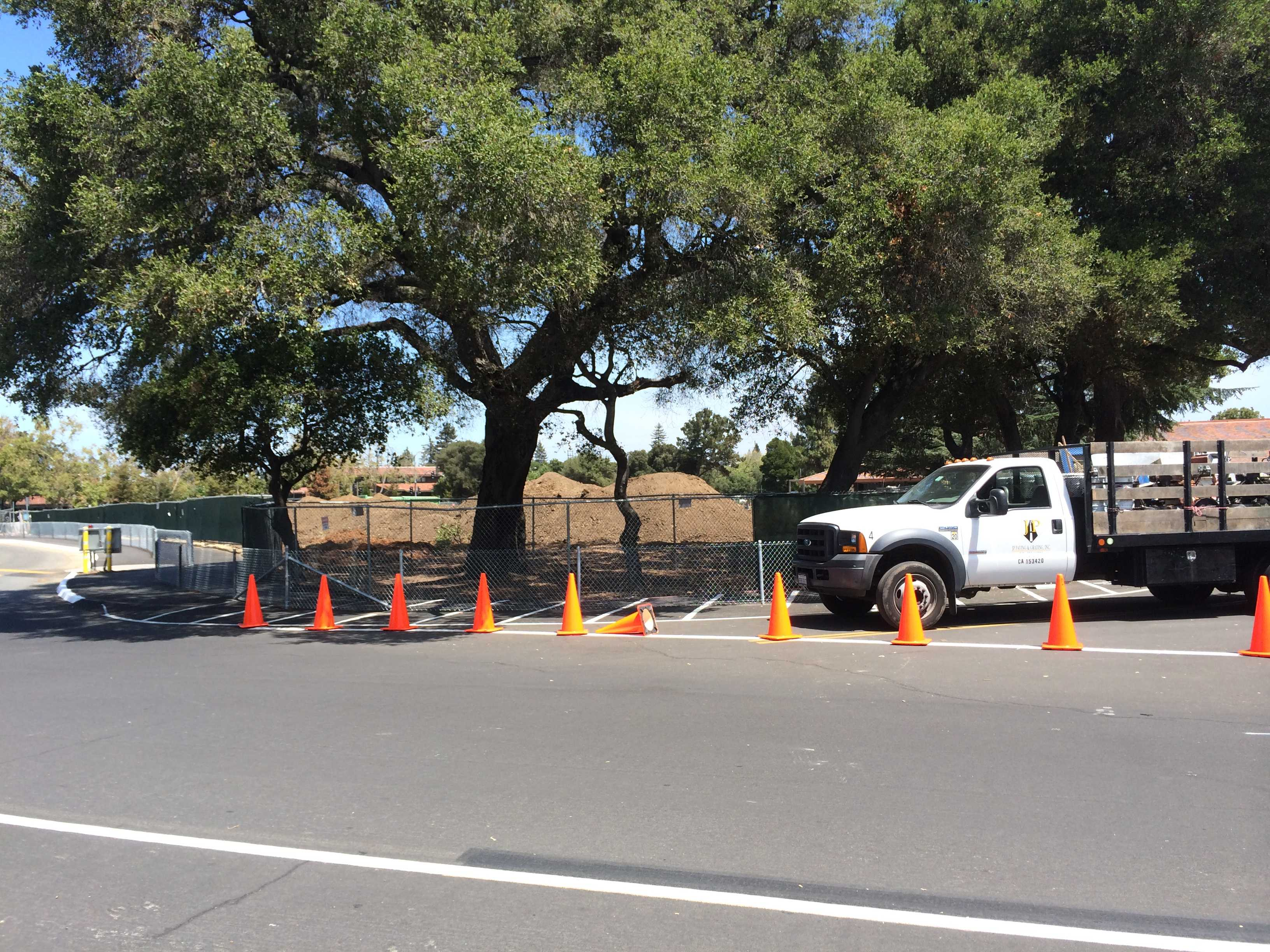 Construction of the new building has taken over part of the previous Embarcadero lot. Photo by Maddy Jones.