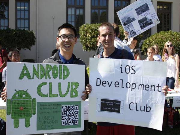 Android Club President Charles Yu and Ios Development Club President Brian Tracy pose during club day. Photo by Josh Yuen.