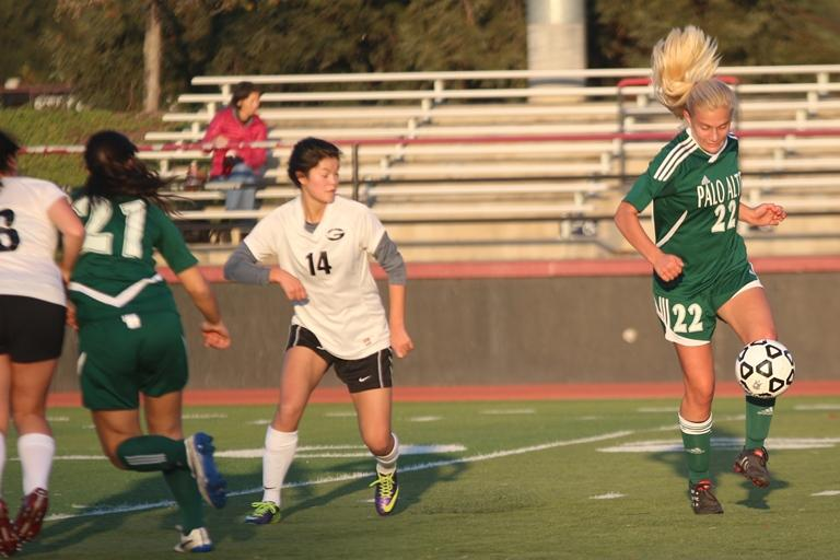 Junior forward Heidi Moesner controls the ball in a game against Gunn on Jan. 5. Paly won (6-0). Photo by Maddy Jones.