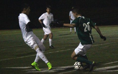 Boys' soccer takes down Gunn