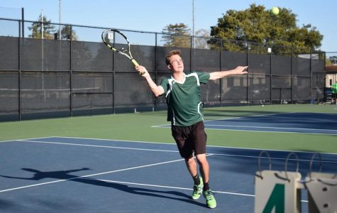 Boys' tennis splits matches against Cupertino