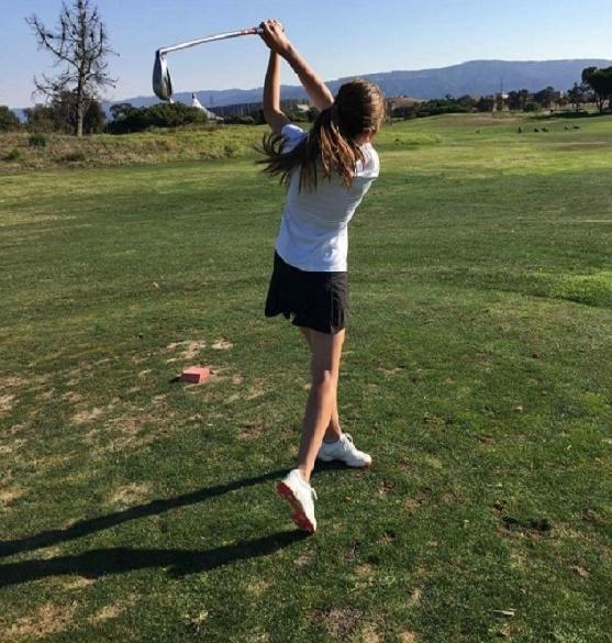 Senior Elise Kiya played in her last golf match for Paly this past Tuesday. Kiya shot 89, and with her team was unable to advance. Photo: Emily Hwang