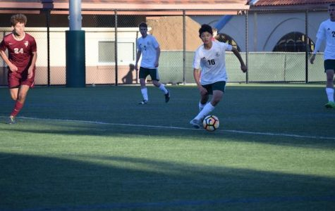 Boys' soccer defeats Menlo-Atherton in tight match