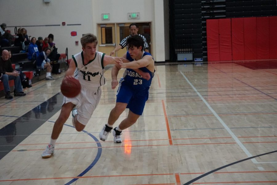 Boys' basketball soars past Eagles