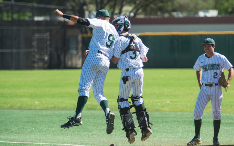 Baseball improves to 6-1 in league behind hot bats