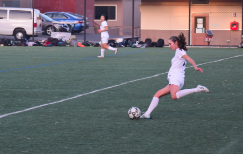 Girls' soccer prepares for strong Los Gatos defense