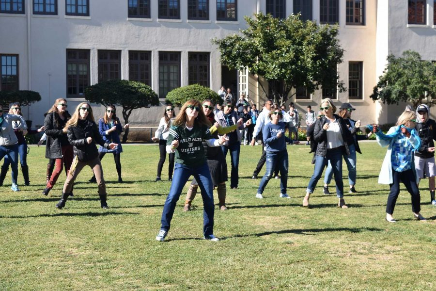 Staff surprise students with flash mob