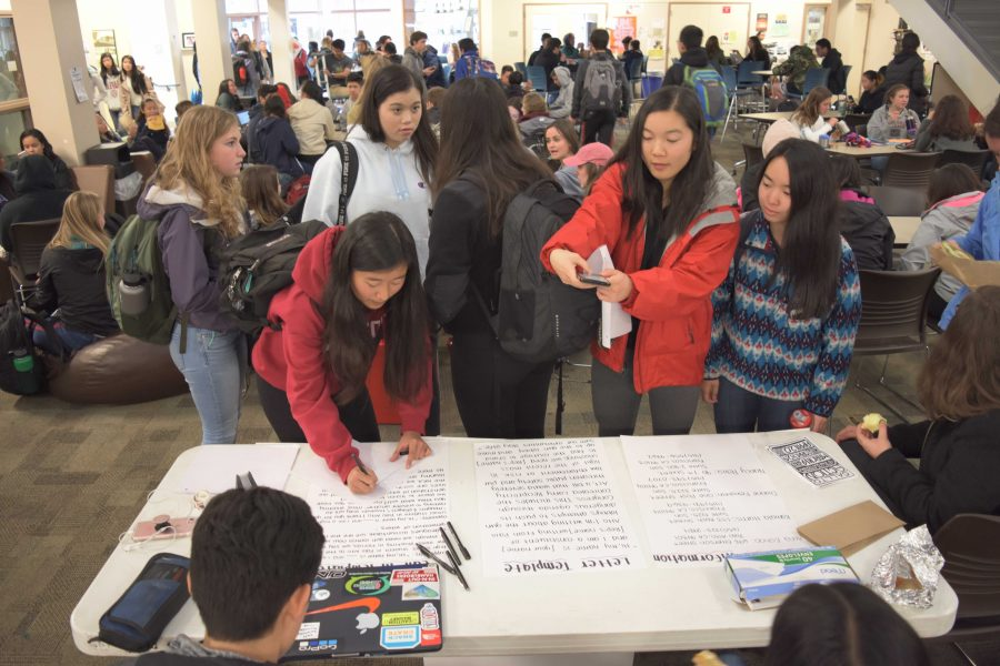 Palo Alto High School  students participate in a student-led letter-writing and calling campaign organized in response to the high school shooting in Parkland, Florida. According to senior Noga Hurwitz, the campaign aims to send 500 letters to members of Congress including Anna Eshoo, Kamala Harris, Diane Fienstein and Nancy Pelosi. Photo: Nisha McNealis