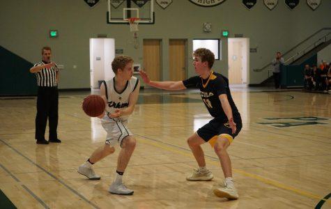 Boys' basketball defeats Menlo; advances to regional final