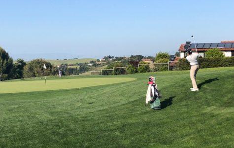 Boys' golf sets school record on senior night