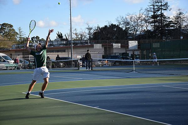 Boys' tennis hopes to recover from disappointing season