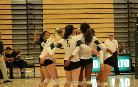 Girls' volleyball defeats Homestead in first league game