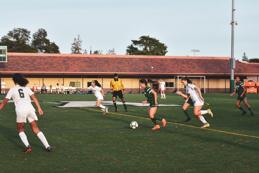 Recap: Girls' soccer struggles to score against Santa Clara