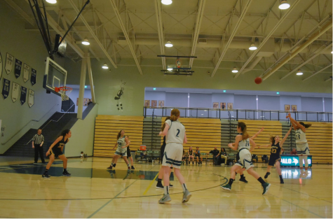 Recap: Girls' basketball kicks off quad night with a win