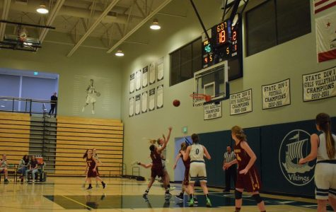 Girls' b-ball wins first game of state tournament
