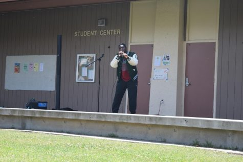 Slideshow: Paly Rocks out on the Quad