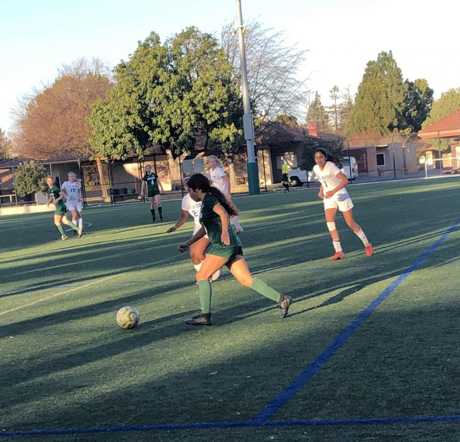 Girls' varsity soccer loses to Los Altos